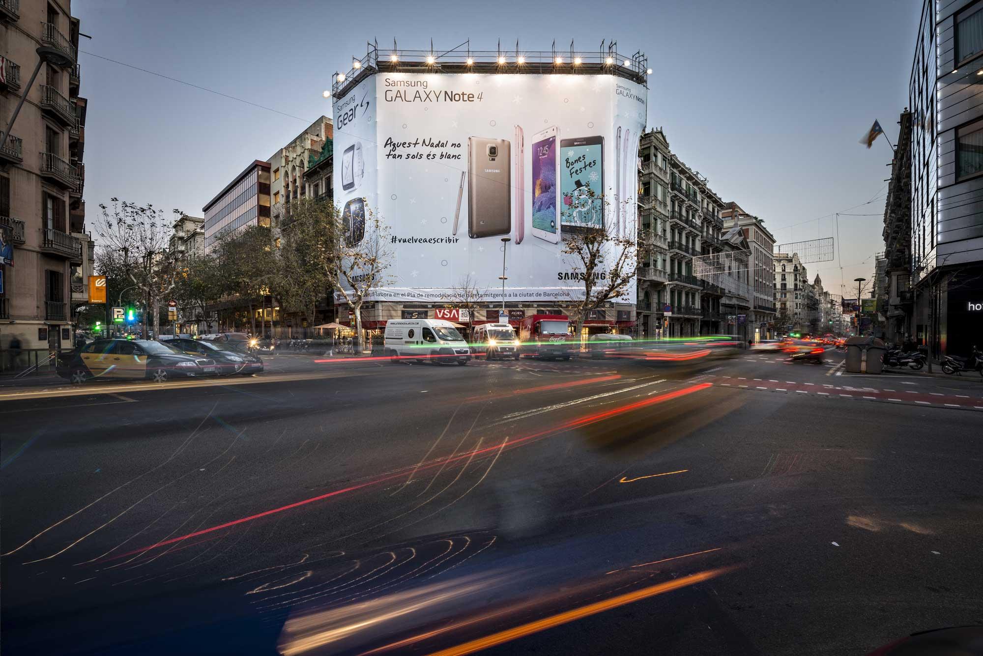 lona-publicitaria-barcelona-samsung-galaxy-note-4-dia-vsa-comunicacion