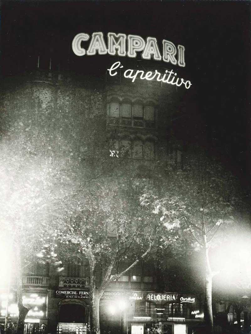 Publicidad Exterior: Rótulo CAMPARI de la PLAZA CATALUÑA – Barcelona