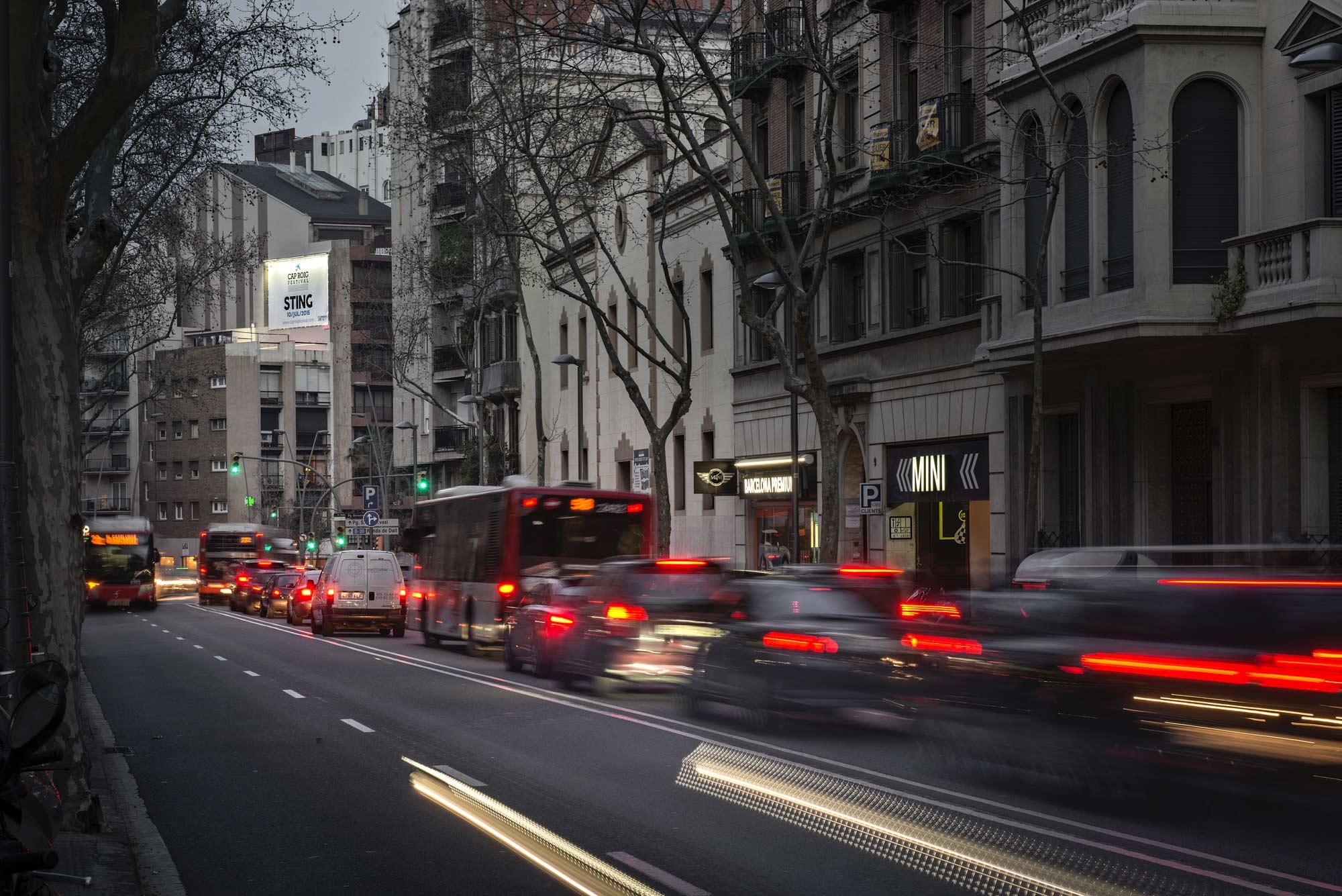 pym-medianera-publicidad-exterior-plaza-bonanova-cap-roig-lejos-barcelona-vsa-comunicacion
