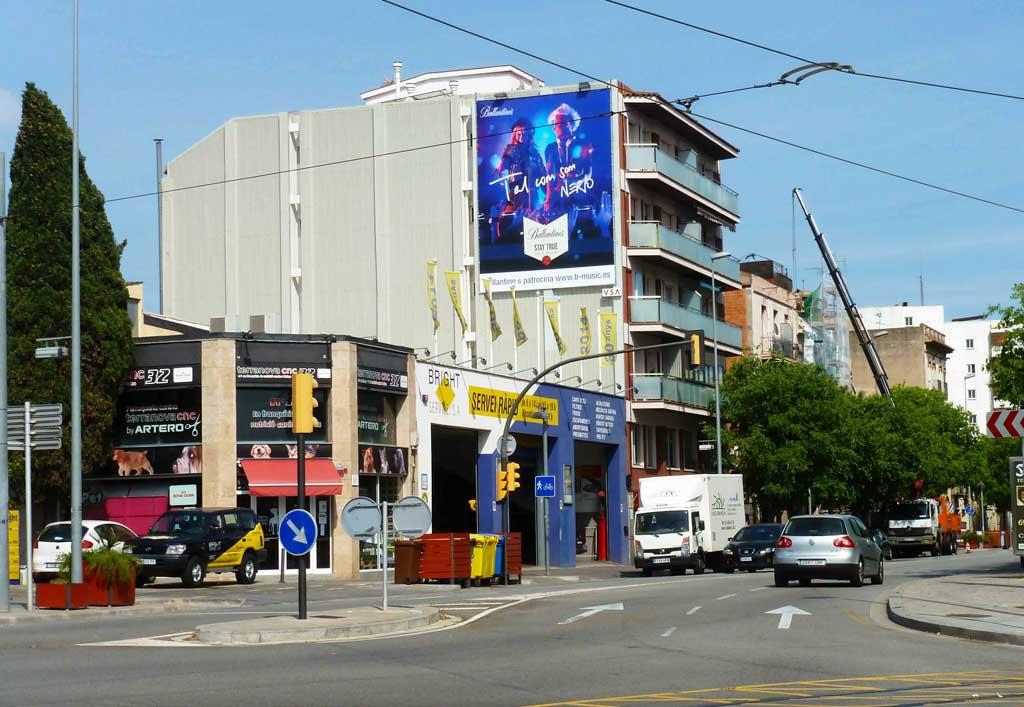 pym-medianera-publicidad-exterior-ballantines-barcelona-vsa-comunicacion