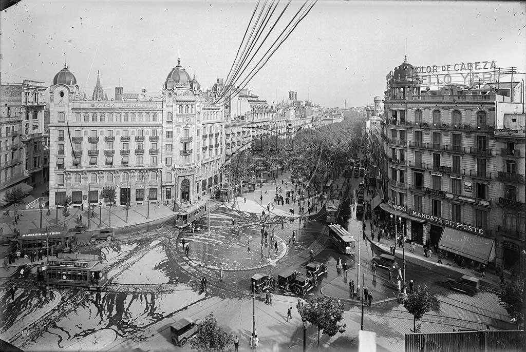 lona-publicitaria-barcelona-fachada-pelayo-vsa-comunicacion