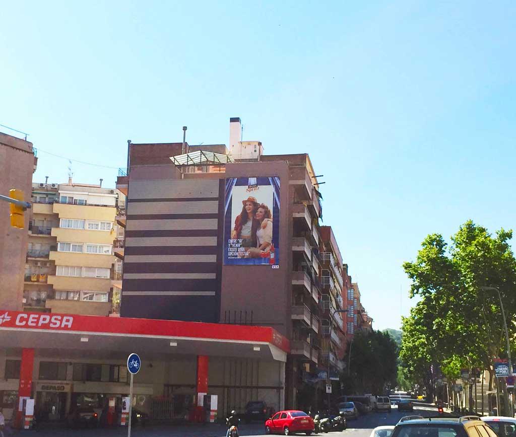 pym-medianera-publicidad-exterior-aperol-barcelona-vsa-comunicacion