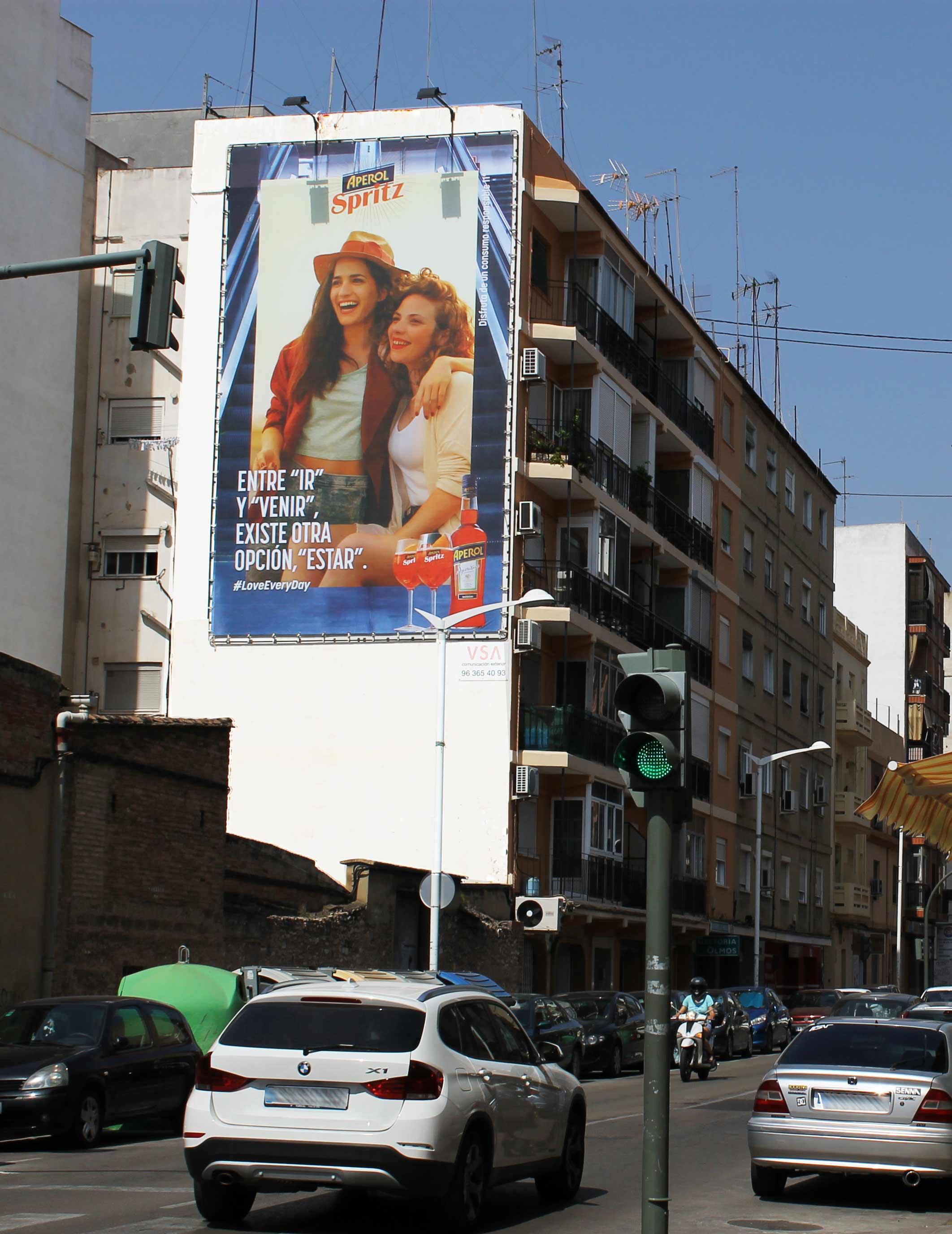pym-medianera-publicidad-exterior-aperol-2-valencia-vsa-comunicacion