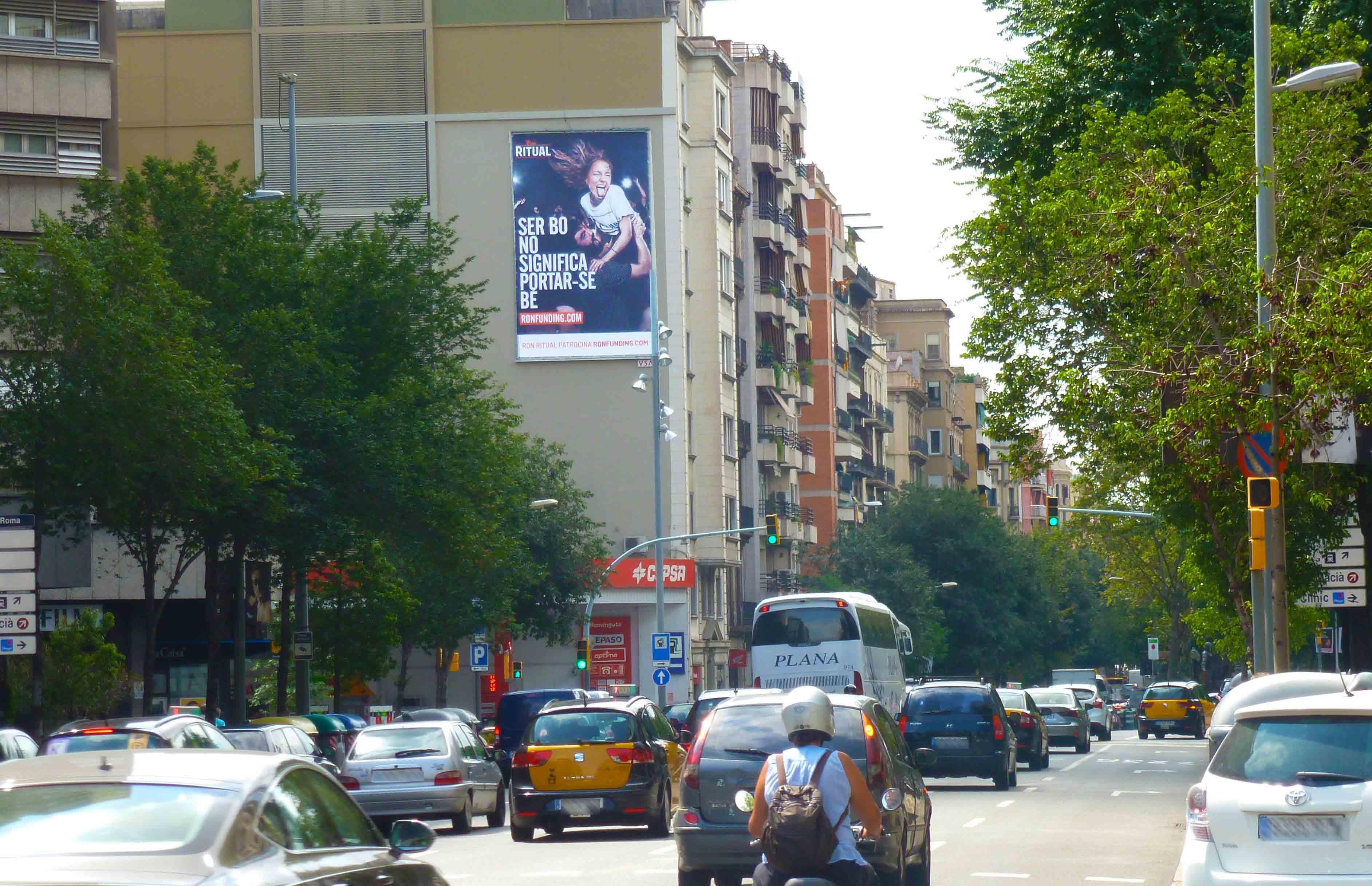 pym-medianera-publicidad-exterior-ron-ritual-barcelona-vsa-comunicacion