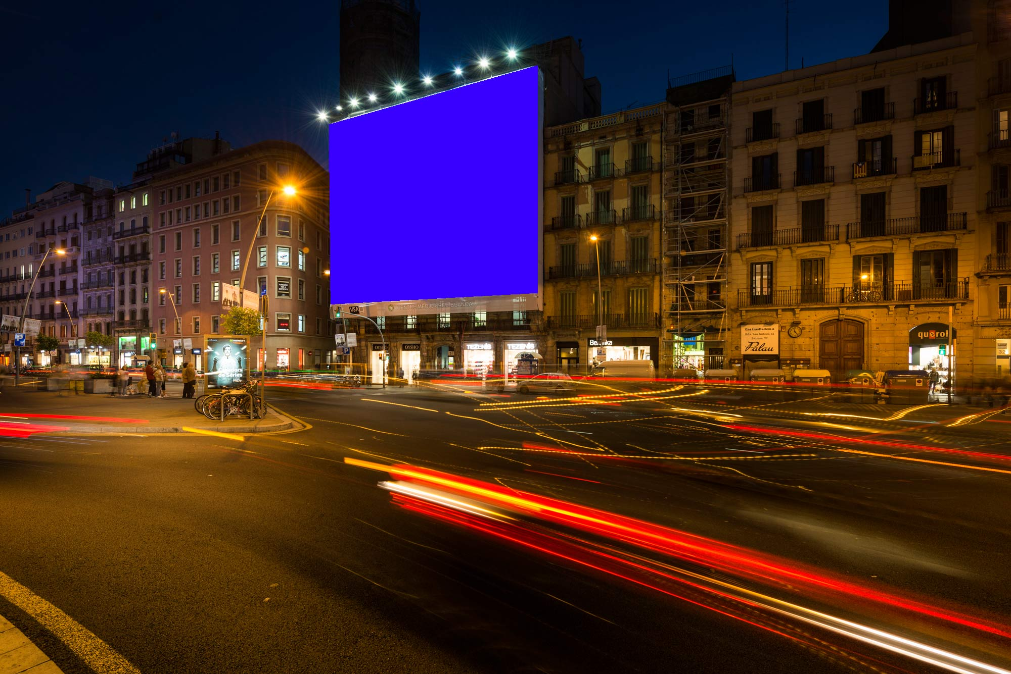 lona-publicitaria-barcelona-pelayo-lateral-faldon-azul-vsa-comunicacion