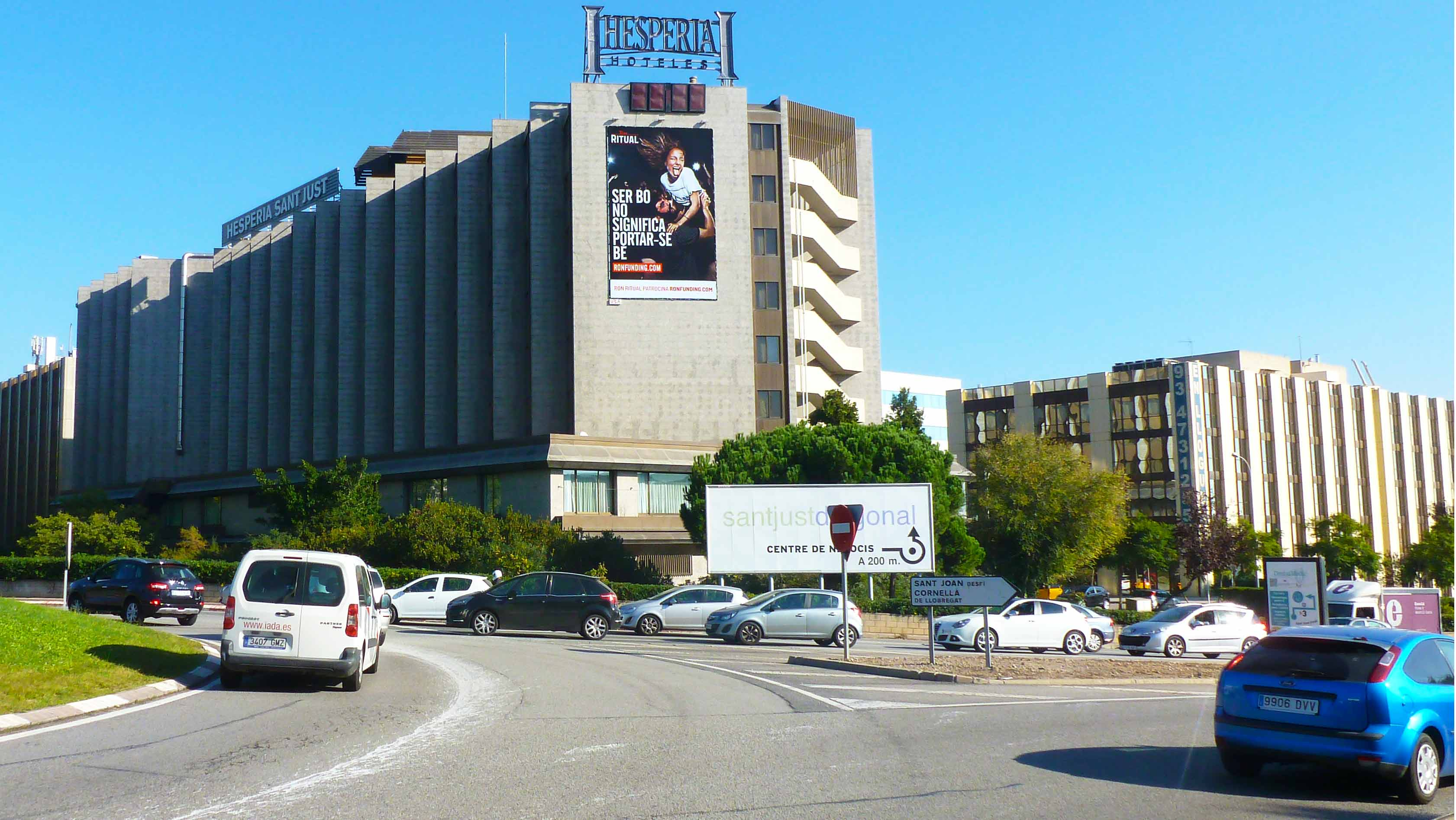 pym-medianera-publicidad-exterior-ron-ritual-hesperia-barcelona-vsa-comunicacion