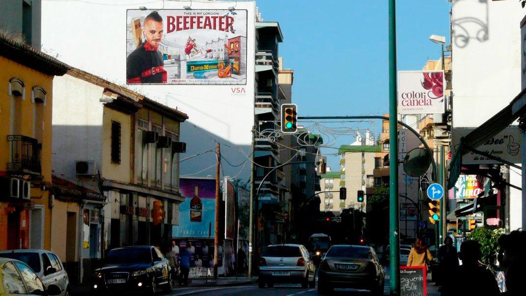 pym-medianera-publicidad-exterior-beefeater-mylondon-malaga-diciembre-vsa-comunicacion