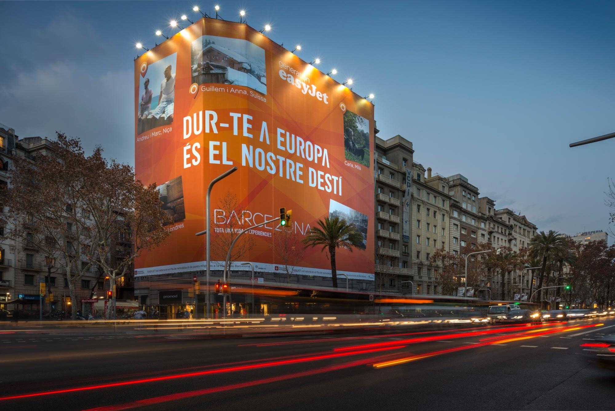 lona-publicitaria-barcelona-avenida-diagonal-598-easyjet-frontal-vsa-comunicacion