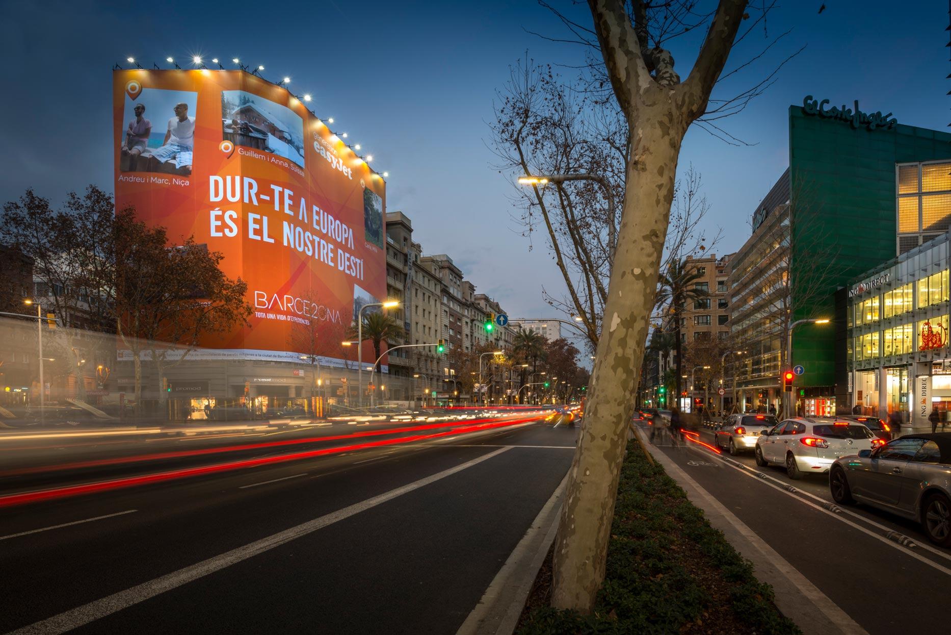 lona-publicitaria-barcelona-avenida-diagonal-598-easyjet-panoramica-vsa-comunicacion