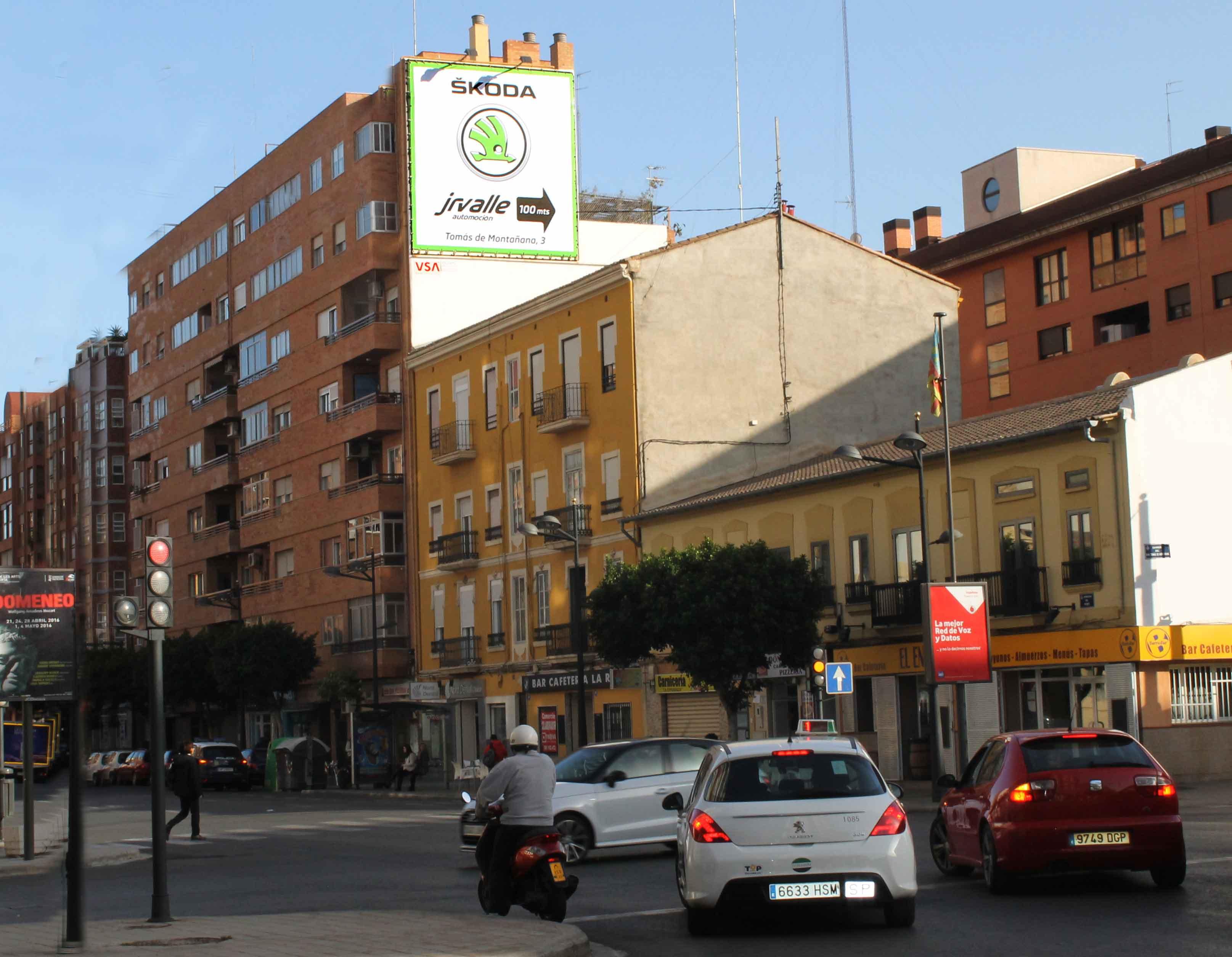 pym-valencia-avenida-del-puerto-skoda-vsa-comunicacion
