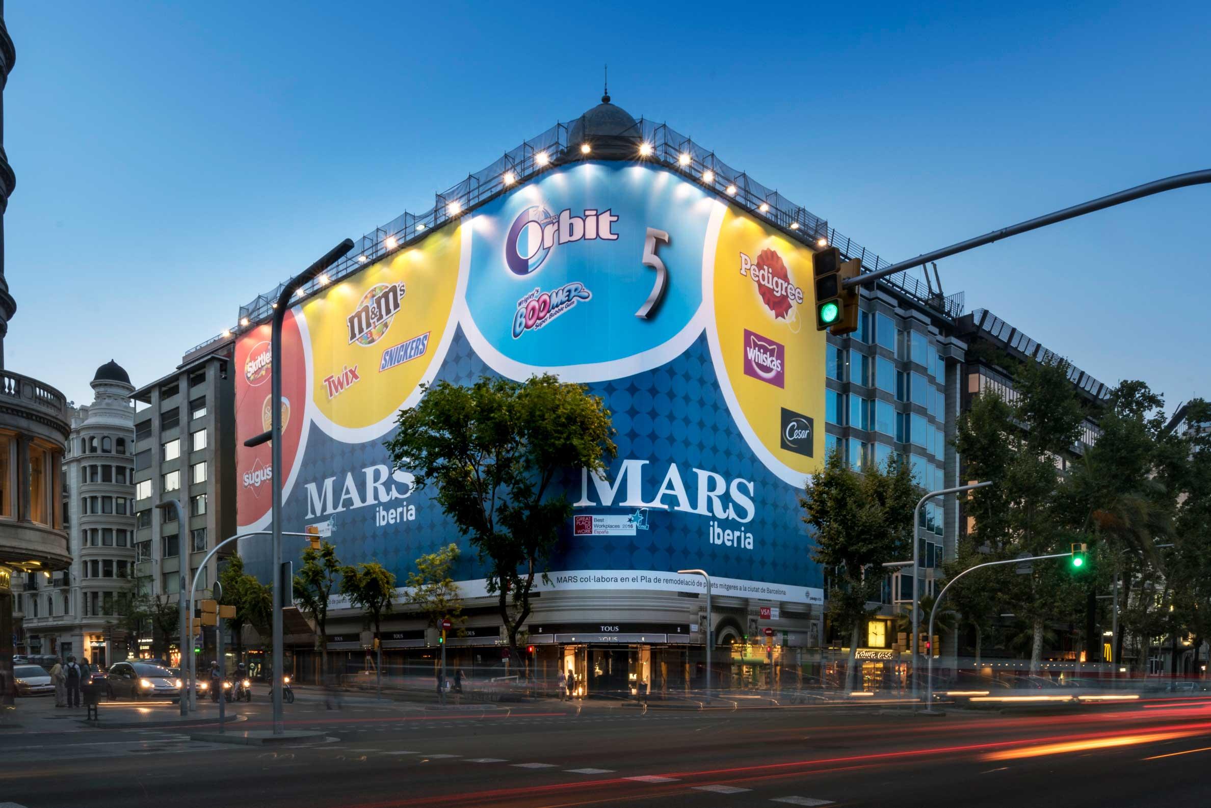 lona-publicitaria-barcelona-avenida-diagonal-478-mars-iberia-frontal-vsa-comunicacion