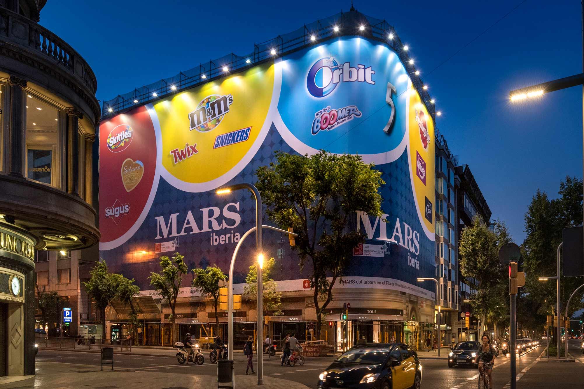 lona-publicitaria-barcelona-avenida-diagonal-478-mars-iberia-lateral-vsa-comunicacion