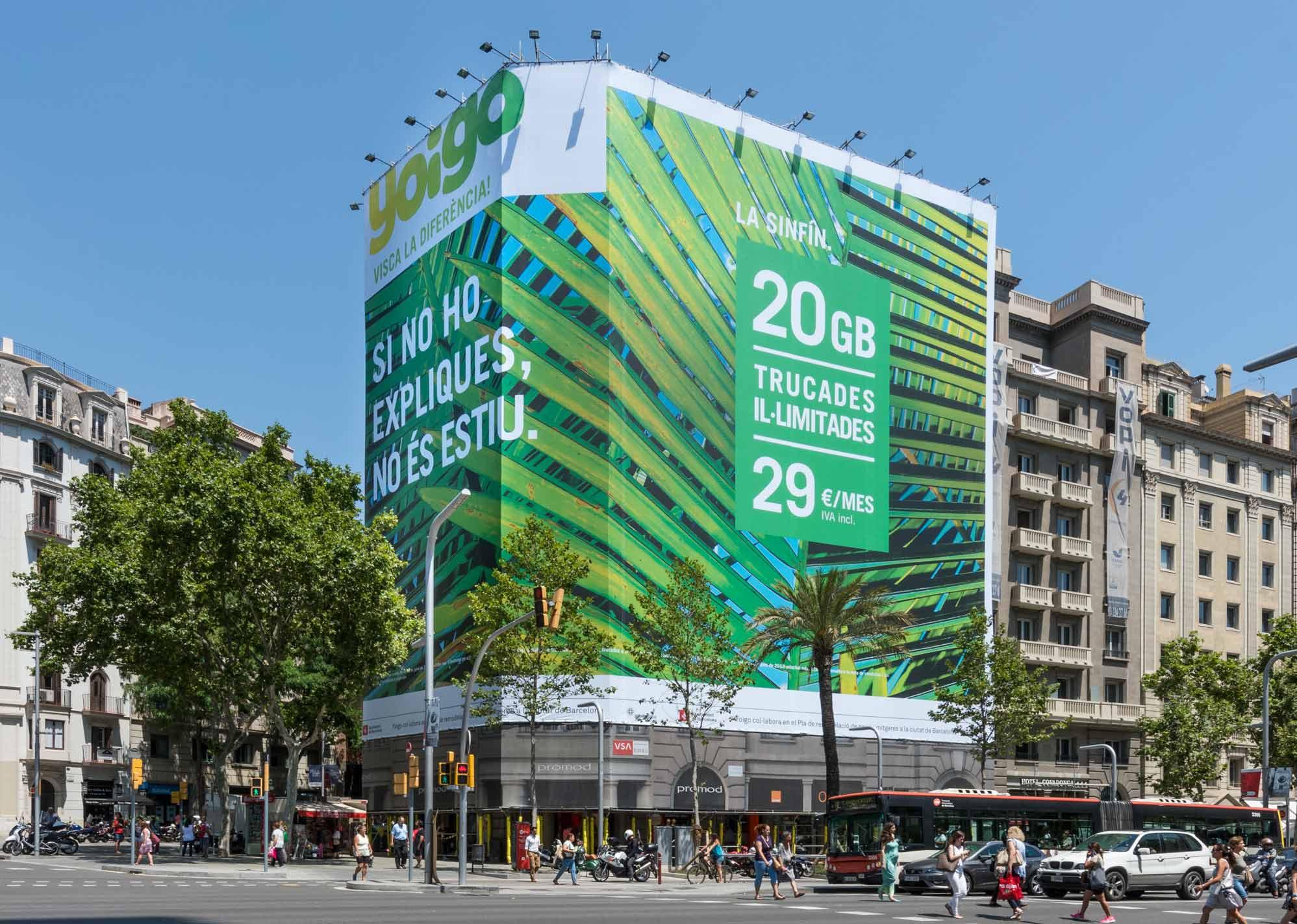 lona-publicitaria-barcelona-avenida-diagonal-598-yoigo-dia-vsa-comunicacion