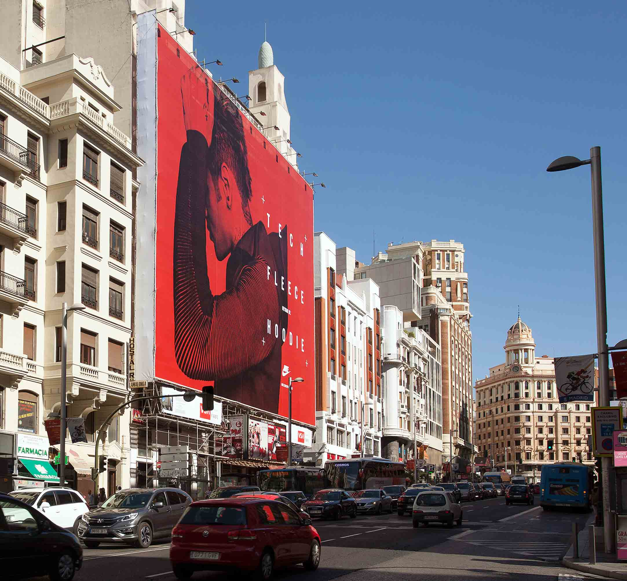 lona-publicitaria-madrid-gran-via-54-nike-tech-fleece-2-vsa-comunicacion