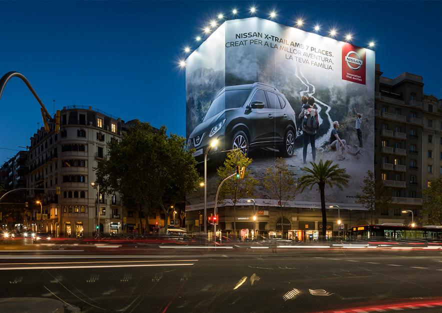 lona-publicitaria-barcelona-avenida-diagonal-598-nissan-x-trail-frontal-vsa-comunicacion
