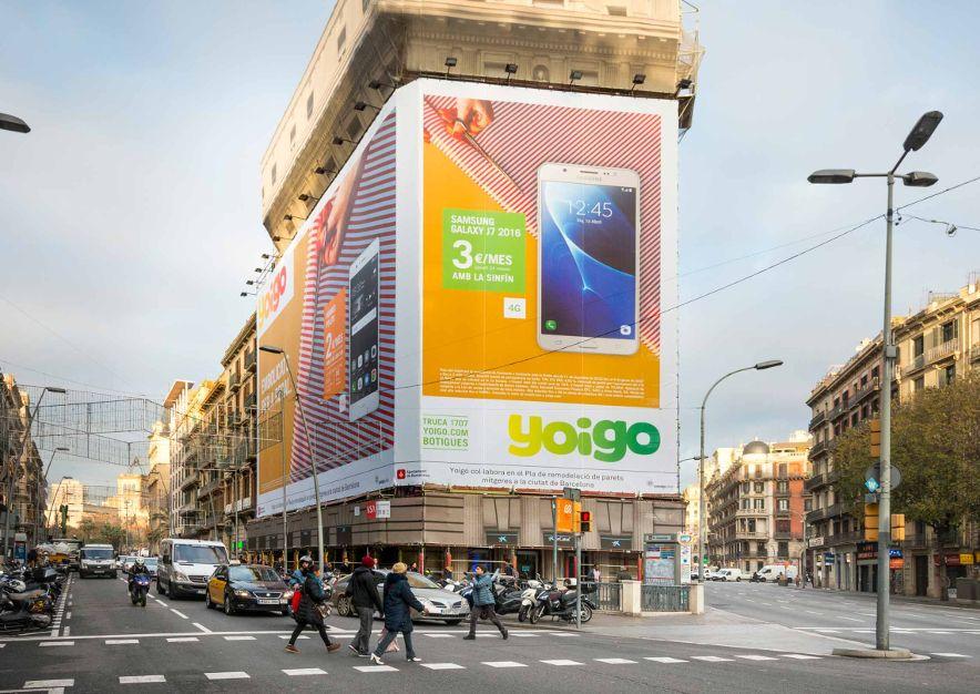 lona-publicitaria-barcelona-balmes-1-yoigo-vsa-comunicacion