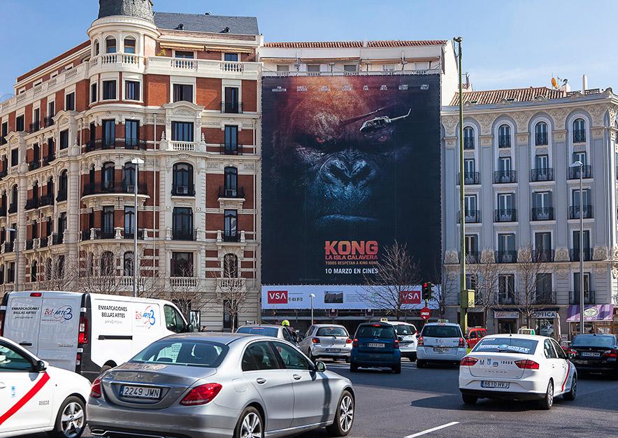 lona-publicitaria-madrid-plaza-alonso-martinez-6-kong-dia-vsa-comunicacion