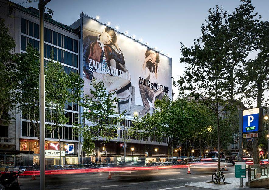 lona-publicitaria-barcelona-paseo-de-gracia-55-zadig-&-voltaire-vsa-comunicacion