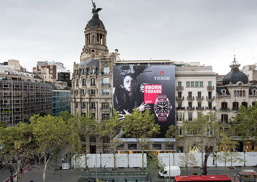 lona-publicitaria-barcelona-paseo-de-gracia-23-tudor-vsa-comunicacion