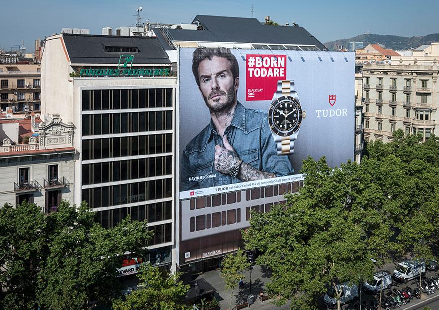 lona-publicitaria-barcelona-paseo-de-gracia-55-tudor-dia-vsa-comunicacion