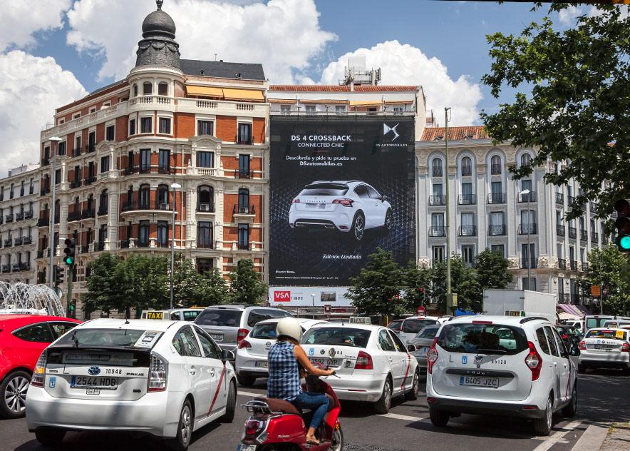 lona-publicitaria-madrid-plaza-alonso-martinez-6-citroen-dia-vsa-comunicacion