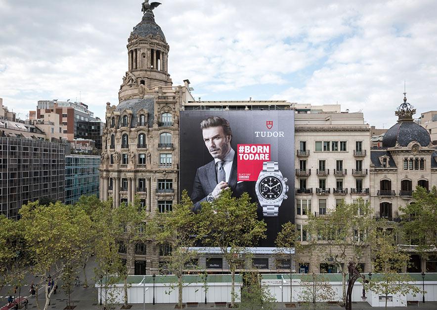lona-publicitaria-barcelona-paseo-de-gracia-23-tudor-beckham-vsa-comunicacion