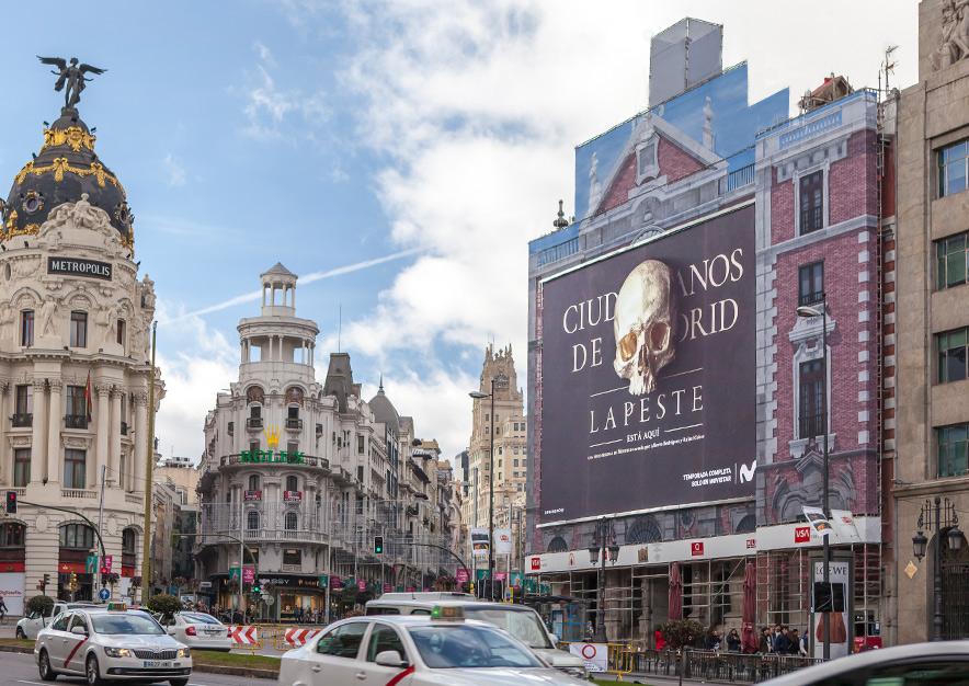 lona-publicitaria-barcelona-alcala-43-la-peste-movistar-+-dia-vsa-comunicacion