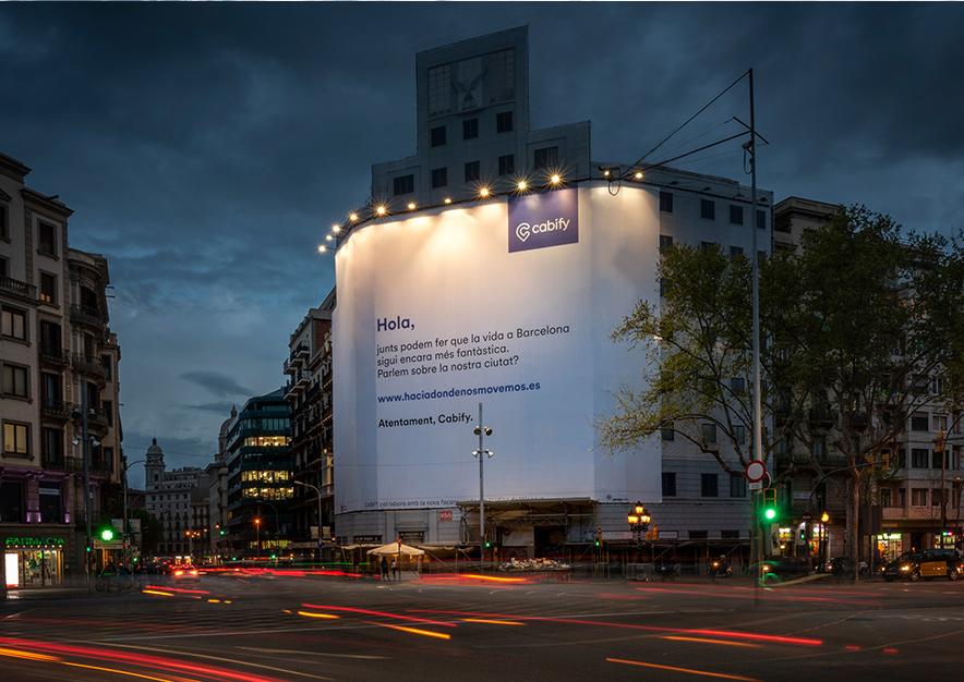 lona-publicitaria-barcelona-balmes-15-cabify-noche-vsa-comunicacion