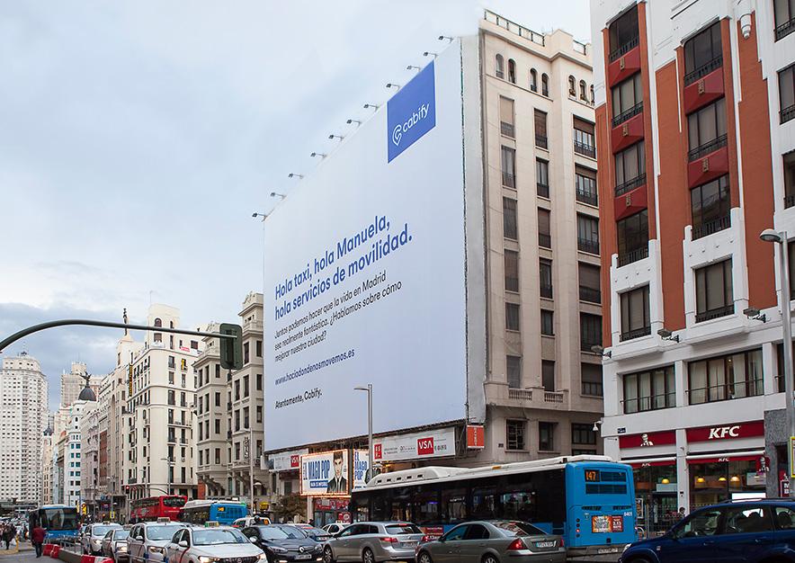 lona-publicitaria-madrid-gran-via-54-cabify-dia-vsa-comunicacion