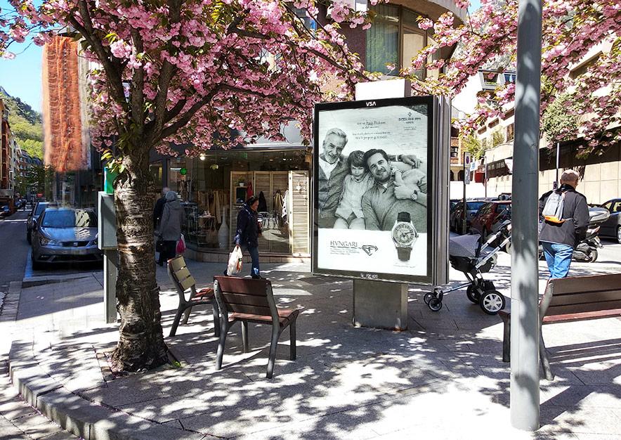 mobiliario-urbano-oppi-publicidad-exterior-hvngari-patek-philippe-2-andorra-la-vella-vsa-comunicacion