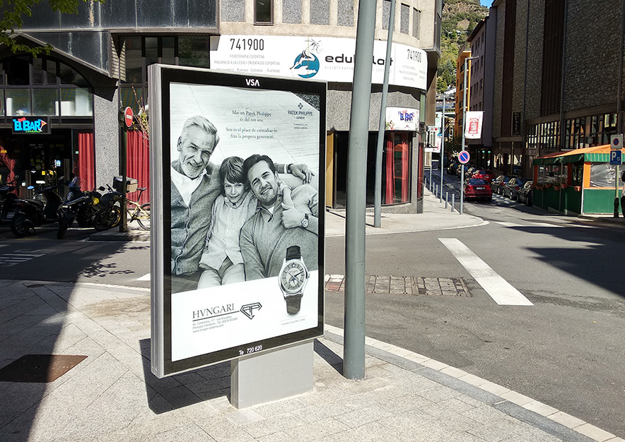 mobiliario-urbano-oppi-publicidad-exterior-hvngari-patek-philippe-andorra-la-vella-vsa-comunicacion