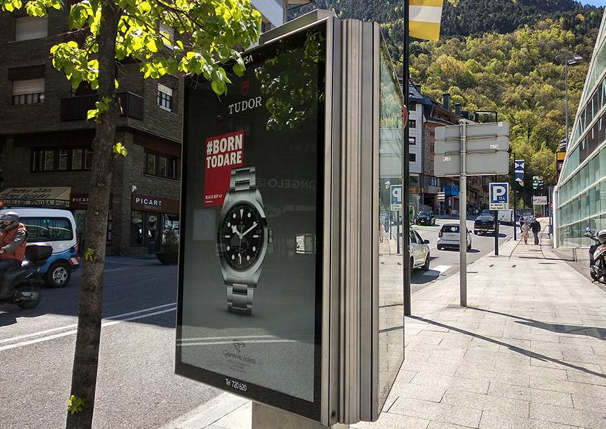 mobiliario-urbano-oppi-publicidad-exterior-tudor-2-geneve-andorra-la-vella-vsa-comunicacion
