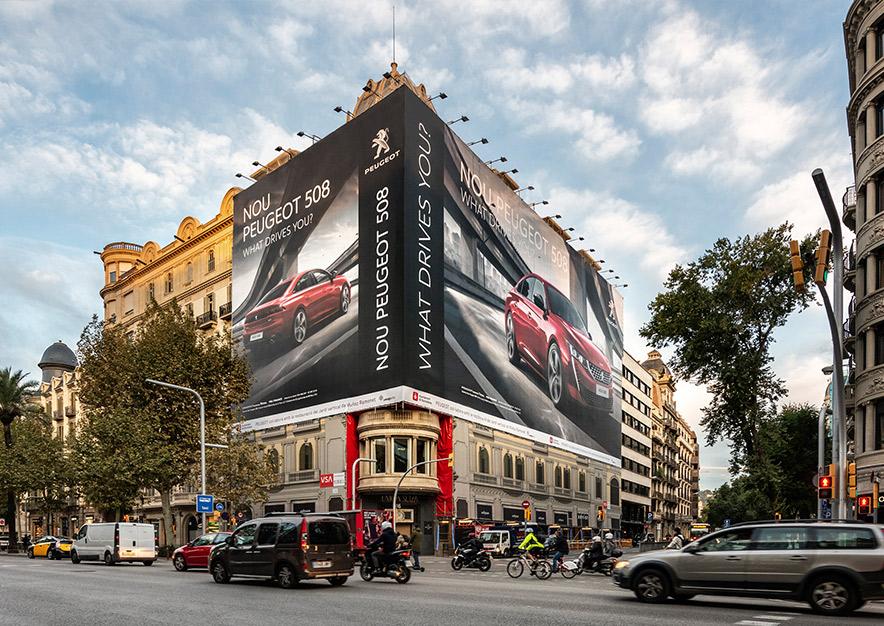 lona-publicitaria-barcelona-avenida-diagonal-482-peugeot-508-dia-vsa-comunicacion