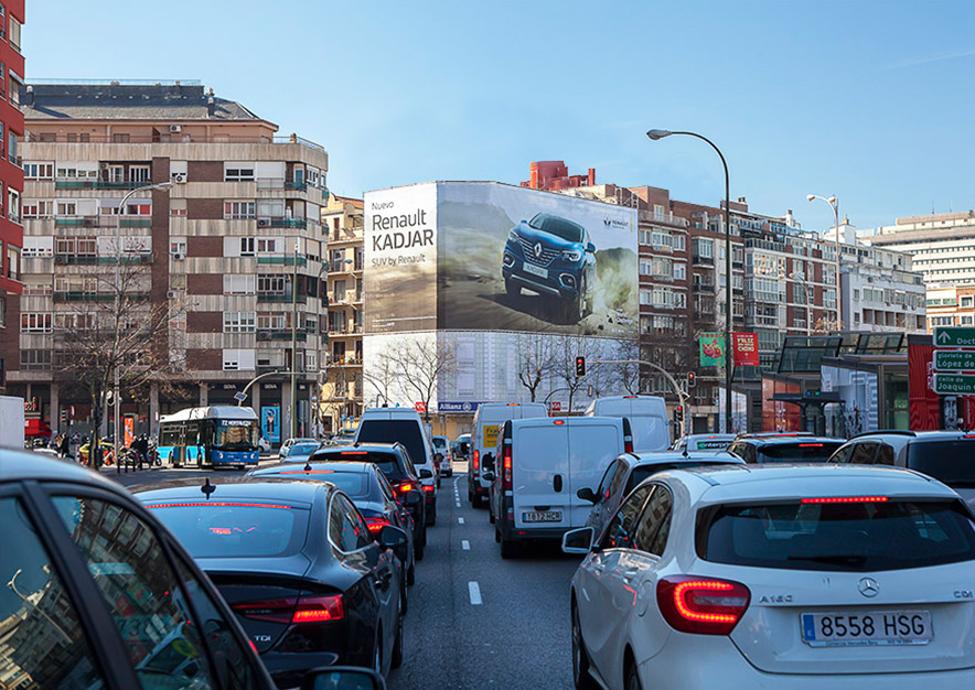 lona-publicitaria-madrid-general-pardinas-107-renault-kadjar-dia-vsa-comunicacion