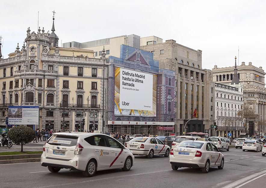 lona-publicitaria-madrid-alcala-43-uber-dia-vsa-comunicacion