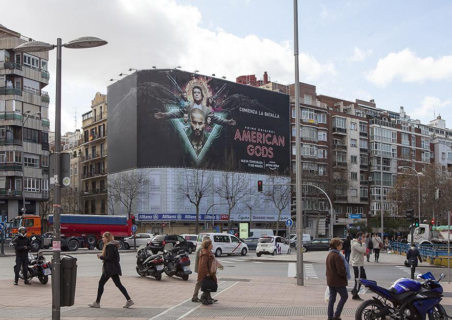lona-publicitaria-madrid-general-pardinas-107-amazon-dia-vsa-comunicacion