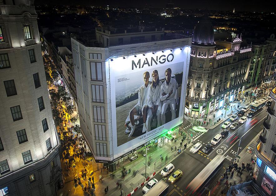 lona-publicitaria-madrid-gran-via-26-mango-noche-vsa-comunicacion