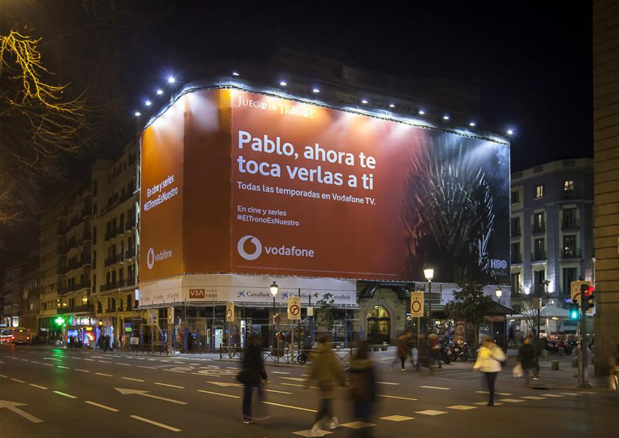 lona-publicitaria-madrid-plateria-martinez-1-vodafone-noche-vsa-comunicacion