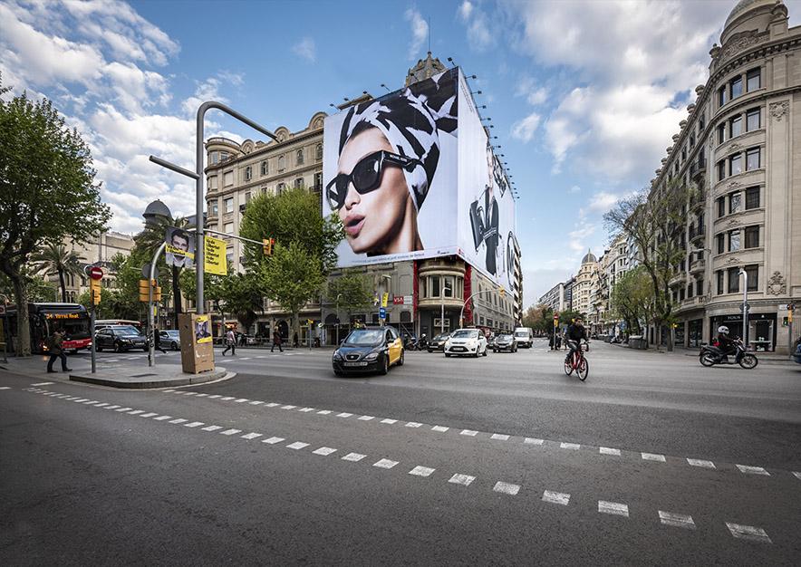 lona-publicitaria-barcelona-avenida-diagonal-482-michael-kors-dia-vsa-comunicacion