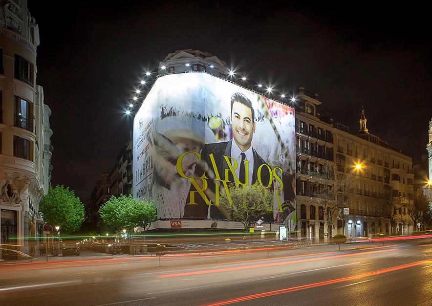 lona-publicitaria-madrid-alcala-75-carlos-rivera-noche-vsa-comunicacion