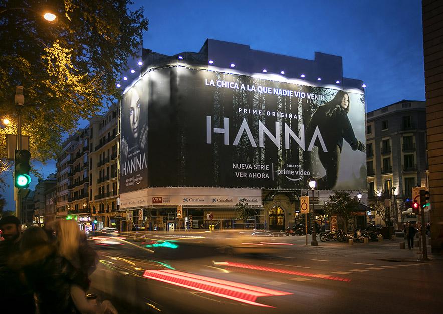 lona-publicitaria-madrid-plateria-martinez-amazon-hanna-noche-vsa-comunicacion