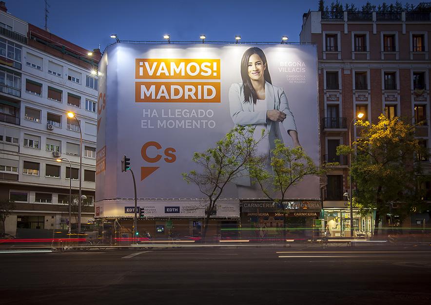 lona-publicitaria-madrid-alcala-136-ciudadanos-noche-vsa-comunicacion