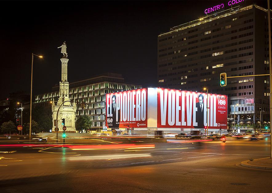 lona-publicitaria-madrid-plaza-colon-junio-hbo-noche-vsa-comunicacion