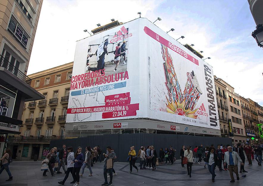lona-publicitaria-madrid-preciados-13-adidas-dia-vsa-comunicacion