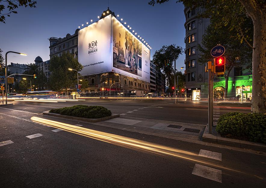lona-publicitaria-barcelona-avenida-diagonal-482-boggi-noche-vsa-comunicacion
