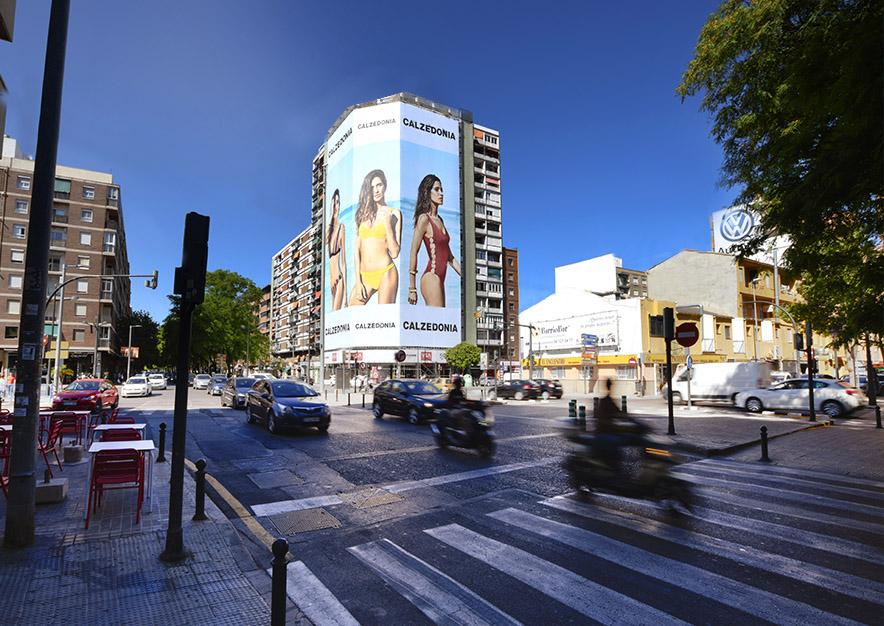 lona-publicitaria-valencia-avenida-del-puerto- 87-calzedonia-dia-vsa-comunicacion