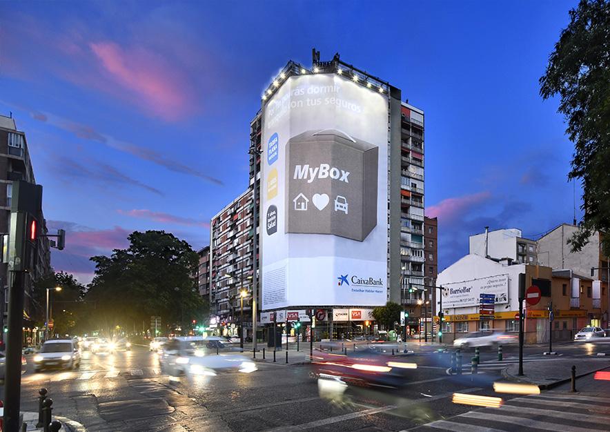 lona-publicitaria-valencia-avenida-del-puerto- 87-lacaixa-noche-vsa-comunicacion