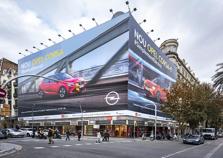 lona-publicitaria-barcelona-avenida-diagonal-490-opel-dia-vsa-comunicacion