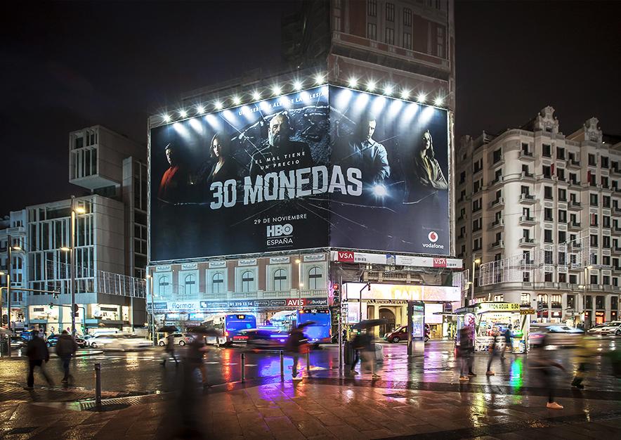 lona-publicitaria-madrid-gran-via-46-hbo-noviembre-noche-vsa-comunicacion