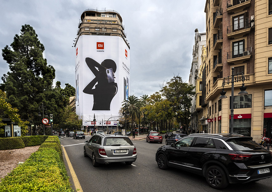 lona-publicitaria-valencia-marques-de-turia-2-xiaomi-dia-vsa-comunicacion